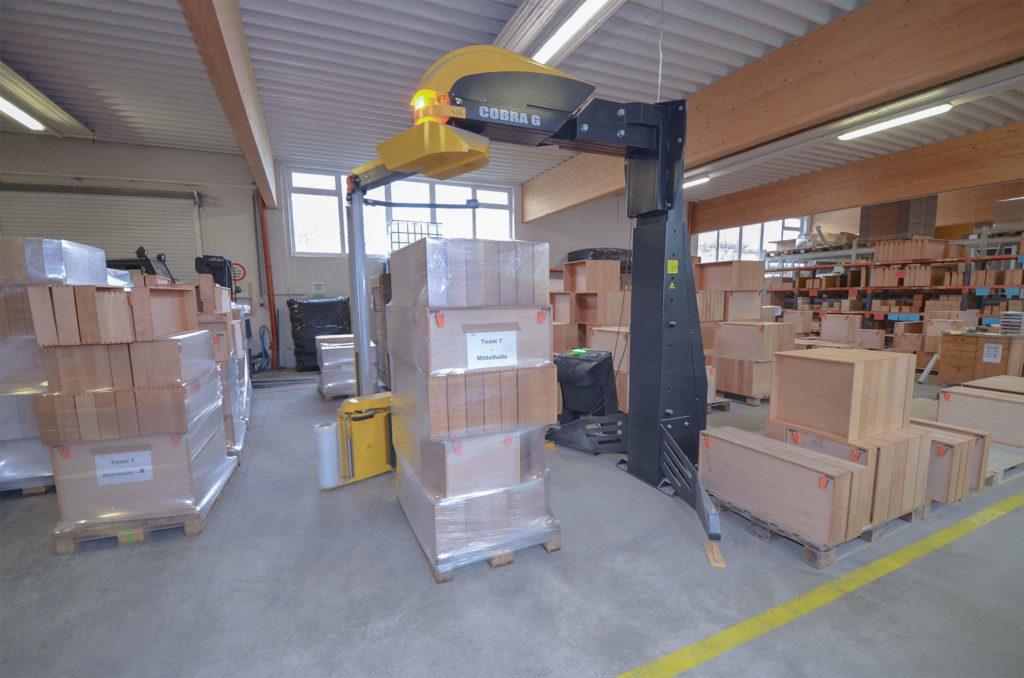 Verpackungsmaschine in der Holzfertigung