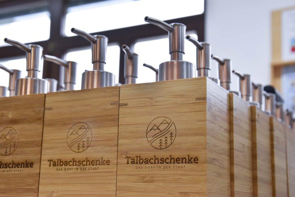 Seifenspender aus Holz mit Lasergravur