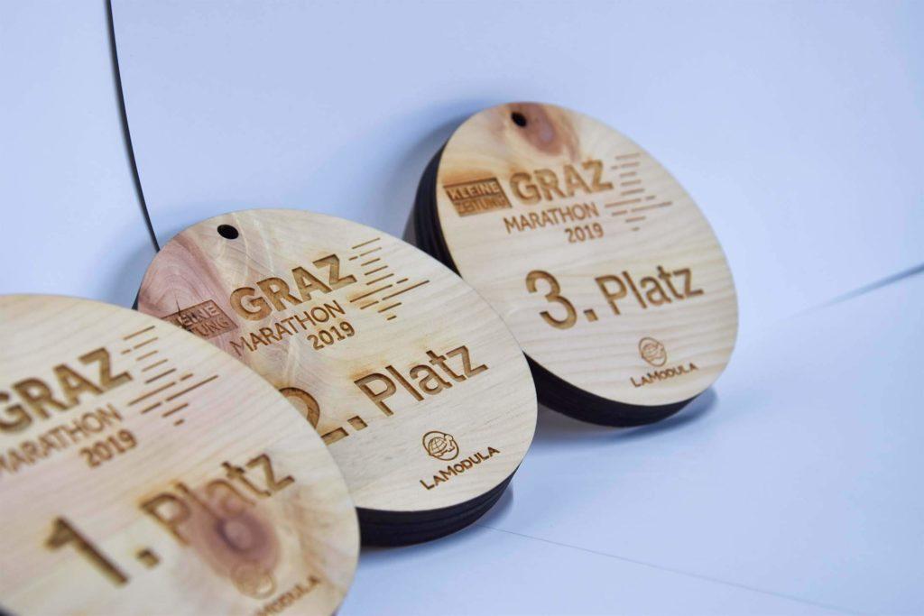 Medaille aus Holz für Graz Marathon mit Lasergravur